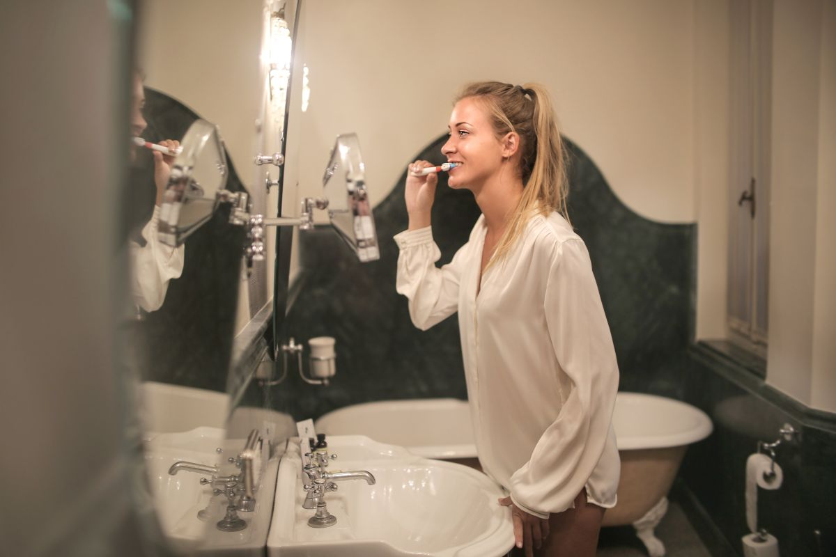 Un zambet mai frumos si sanatos, cu pasta de dinti cu ulei CBD!